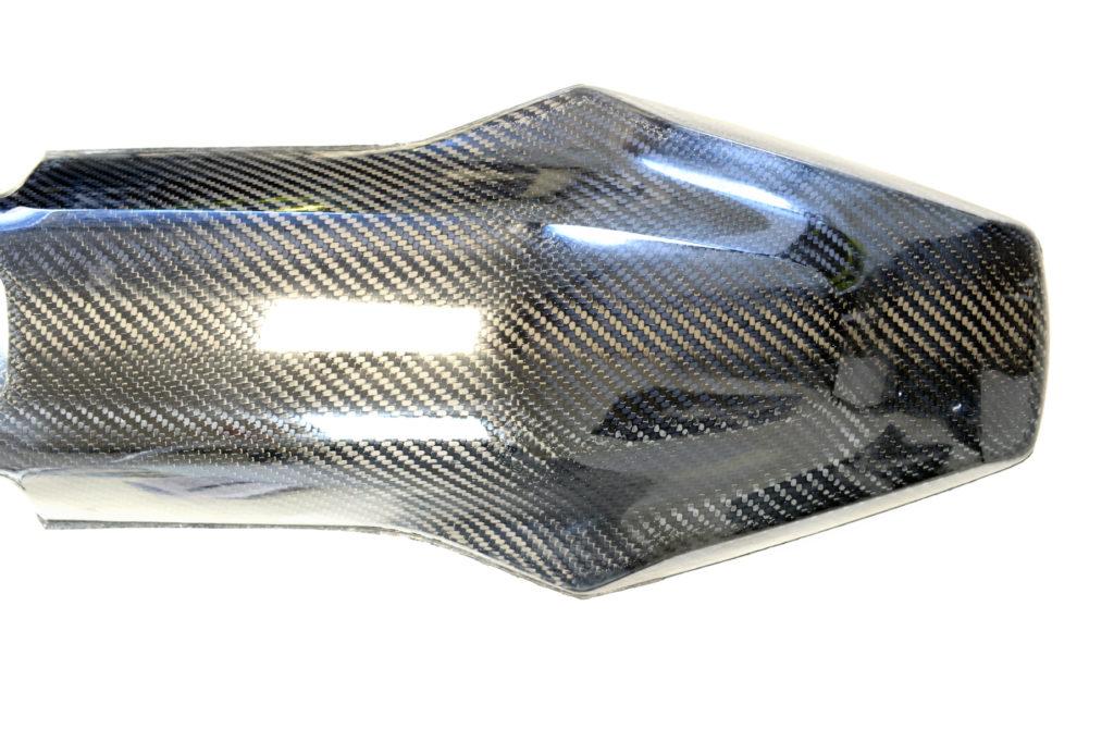 Fehlerfreier Carbon-Front-Fender