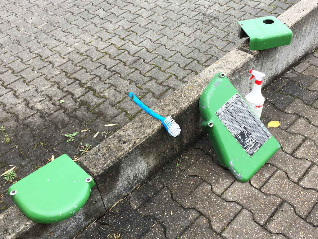 Drehmaschinenteile mit Profi-Cleaner gereinigt.